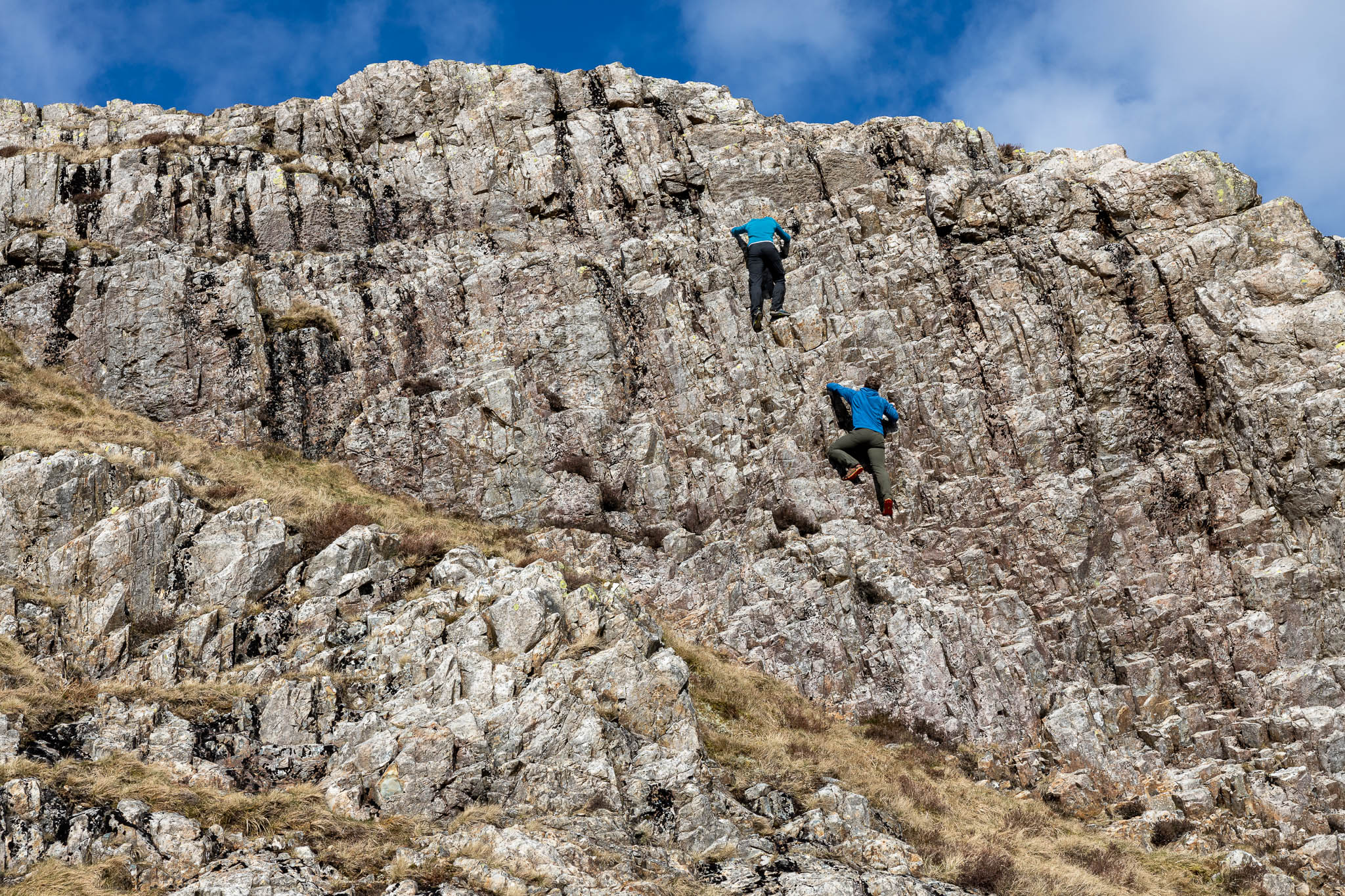 Scramblers on the upper section of Cam Crag Ridge